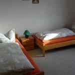 Fewo 1: Schlafzimmer mit Einzelbetten (nur in Wohnung für 4 Personen)