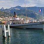 Raddampfer auf dem Genfersee bei Montreux