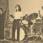 THE MIDNIGHT SPECIALS met MIRELLA ca. 1971 vlnr: Peter Binkhuysen, Mirella Jacobs, Wim Verbiest, Les Brodie, Ed Brodie
