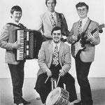 DE PEDRO'S (december 1971) met Wim van Steenpaal (gitaar), Kees Balemans (accordeon) en 2 ex- leden van DE FOUR TAK. Kees Tak (bas) en Michel Balemans (drums)