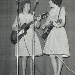 The Marwills tijdens de grote teenager show in Het Gildenhuis op 29-12-1963