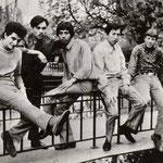TAKE FIVE met zanger Achmed Albar (uiterst links)