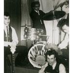 The Alsatians - vlnr: Rob Gillet, Daan Taka, Joop Abels, Davidt Takarindingan