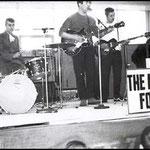 THE MAGIC FOUR op de planken in de veemarkthal in Etten Leur, tijdens een grote beat show Beatparade '68 georganiseerd door de jongerensoos de Tienerhoeve
