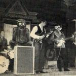 THE VIKINGS tijdens talentenjacht in Het Gildenhuis, Damstraat, Roosendaal op 29 mei 1965. vlnr: René Roeken, Harry Voermans, Hans Mol en Pierre van de Leijgraaf