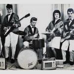 The Kontiki's (1962) - vlnr: Gilbert Verelst (zang), Frans van Laarhoven alias Franky Valjo (bas/zang), Wilfried Sluijts (drums), Gusta Teijsen (slag) en Wilfried Cleiren (solo)