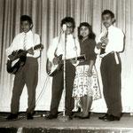 Miss Ann and her Rocking Boys (1961) - tweede optreden feest van voetbalclub Cluzona in de Wouwse Kunstkring. L-R: Evert Solisa, Jan Makatita, Ann Makatita en Wim Makatita.