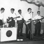 The New Tellstars (januari 1963) -  Eddy Ponjee (drs) - Willy Hilberink (git.) - Otto Tinga (git.) - Cees Dierks (sologit.) - Henk van Overveld (git.)