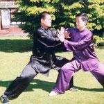 Meister Wang Haijun mit seinem Großmeister Chen Zhenglei
