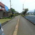 保養所予定地の前の道路