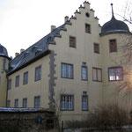Aus dem Schlossgarten gesehen: Der Nordgiebel im Gegenlicht