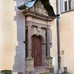 Der Haupteingang am Treppenturm
