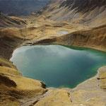 Le lac d'Oncet 2254 mètres, vu du col des Laquets 2637 mètres.