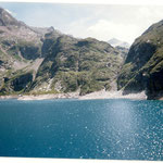 Lac de Callaouas 2158 m dans les gorges de Clarabide.Glace possible en été .