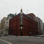 irgendwo in Washington's Straßen - Sun Trust Bankgebäude