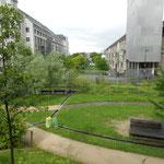 Perspective vers la Seine, Jardins des Grands Moulins abbé Pierre Paris 13e /© in-folio paysagistes