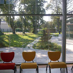 in-folio / PLOEREN centre culturel /   vue depuis le hall de la médiathèque