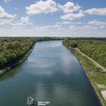 Blick auf den Nord Ostsee Kanal von der Hochbruecke Levensau