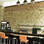 Vorhaus, Bar
