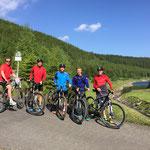 Gruppenbild während der Radtour an der Schmalwassertalsperre