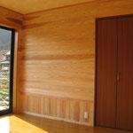 壁床全面板張りの間:新築