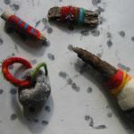 Filzobjekte, Schwemmholz umfilzt, Stein eingefilzt