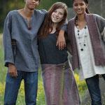 Leinenhemden  für Mann & Frau, Leinenkleid Streif mit Wollwalk-Wickelrock, Leinenhemd mit Wollwalkgilet,