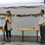 Begrüßung durch Susanne Müller-Kölmel (1. Vors. Verein Solinger Künstler e.V.) und Ankündigung der Führung durch die Künstler*innen
