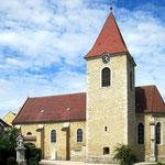 ... mit spätgotischer Kirche.