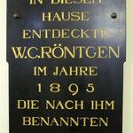 In der Universität Würzburg wurden die Röntgenstrahlen entdeckt.