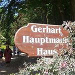 Ein Touristenmagnet: Gerhart Hauptmanns langjähriges Urlaubsdomizil in der Ortschaft Kloster im Norden der Insel.