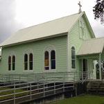 diese Kirche wurde aufgeladen und vor der auslaufenden Lava gerettet und an einen anderen Ort gefahren
