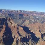 mit dem Heli über den Grand Canyon