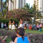 Folklore Show mit Hula Hula