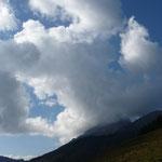 der Reißkofel in Wolken gehüllt