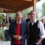 hoher Besuch, der Landeshauptmann von Kärnten (links)