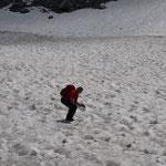 Schneefeldüberquerung beim Abstieg zum Wolayersee