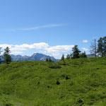 Blick von der Höhe zu den Karnischen Alpen