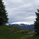 immer noch Schnee auf den Bergen