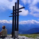 am Gipfelkreuz Zwölfernock (2.049 m)