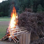 dann wurde das Feuer angezündet