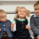 """unsere Enkelkinder beim """"Kirchtag"""" in Weissbriach"""