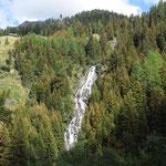 Wasserfall auf dem Weg zur Alm