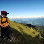 bei seiner ersten Bergtour auf den Poludnig hatte Simon schönes Wetter