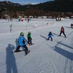 Die Kinder beim Skikurs
