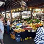 Obst und Gemuese in Huelle und Fuelle