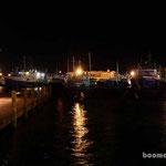 der Hafen von Fremantle bei Nacht