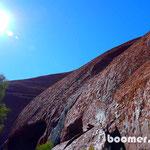 Ansichten bei der Wanderung um den Uluru