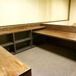 メインデスクとオープン棚・作業台