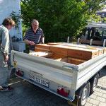 mit dem richtigen Fahrzeug macht der Transport der vollen Honigkisten noch mehr Spass